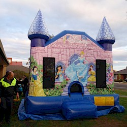 /home/aaronsam/public_html/site/assets/files/1014/princess_jumping_castle_front_1.jpg/
