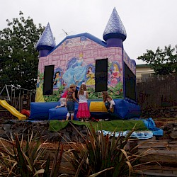 /home/aaronsam/public_html/site/assets/files/1014/princess_jumping_castle_front_2.jpg/